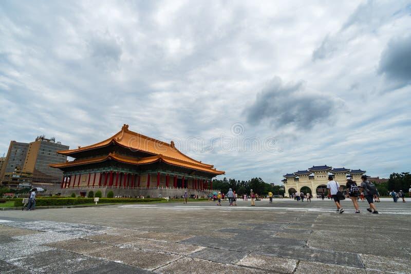 中正纪念堂国家戏院霍尔和自由广场主闸在台北,台湾 著名地标与 库存照片