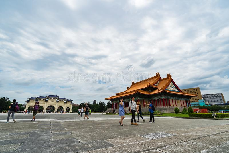 中正纪念堂国家音乐厅和自由广场主闸在台北,台湾 著名地标与 免版税图库摄影