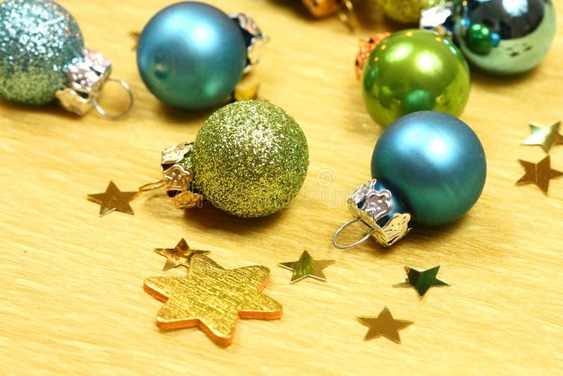 Download 中看不中用的物品圣诞节 库存图片. 图片 包括有 光滑, 节假日, 星形, 平稳, 庆祝, 构成, 金黄 - 22358661