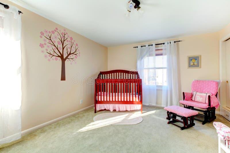 中立颜色婴孩托儿所室 免版税库存图片