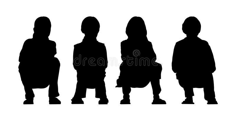 中等小组孩子供以座位的剪影3 皇族释放例证