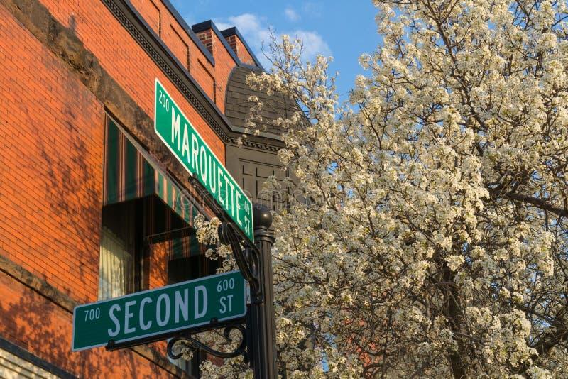 中西部镇在春天 免版税库存照片