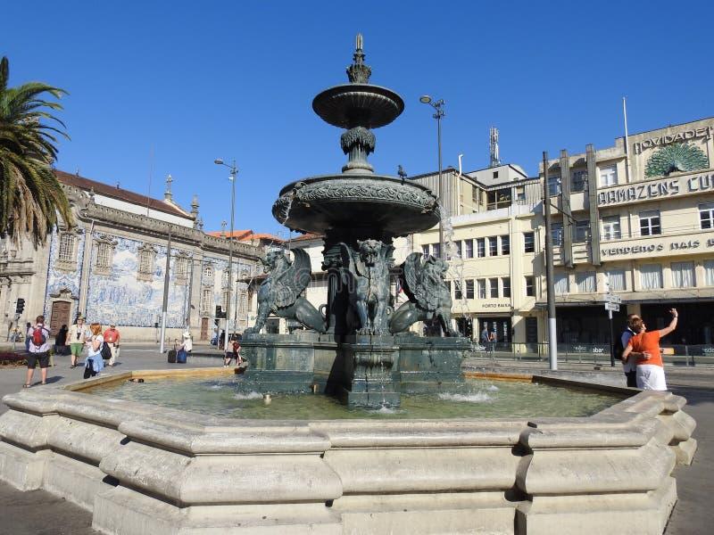 丰泰dos Leões狮子喷泉 波尔图 葡萄牙 免版税图库摄影