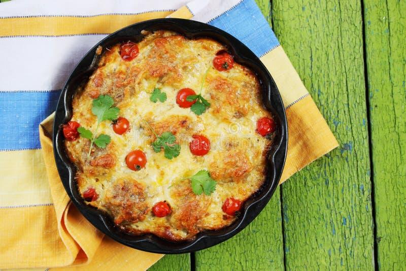 丸子用乳酪和蕃茄 免版税库存图片