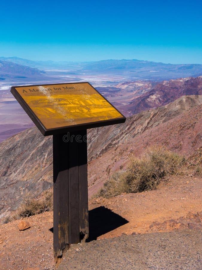 丹特在死亡谷国家公园的` s视图在美国内华达 免版税库存照片