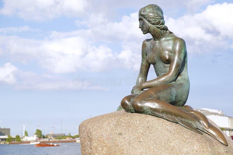 丹麦哥本哈根美人鱼雕像 库存图片