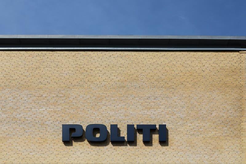 丹麦警察在墙壁上签字 免版税图库摄影