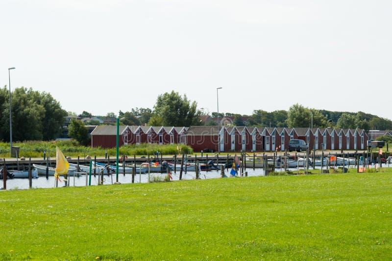 丹麦,北日德兰, Nibe 镇小游艇船坞/港口有t的 库存图片