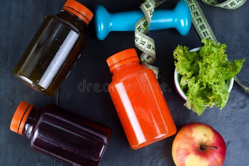为体育瓶活动和汁液设置 免版税库存图片