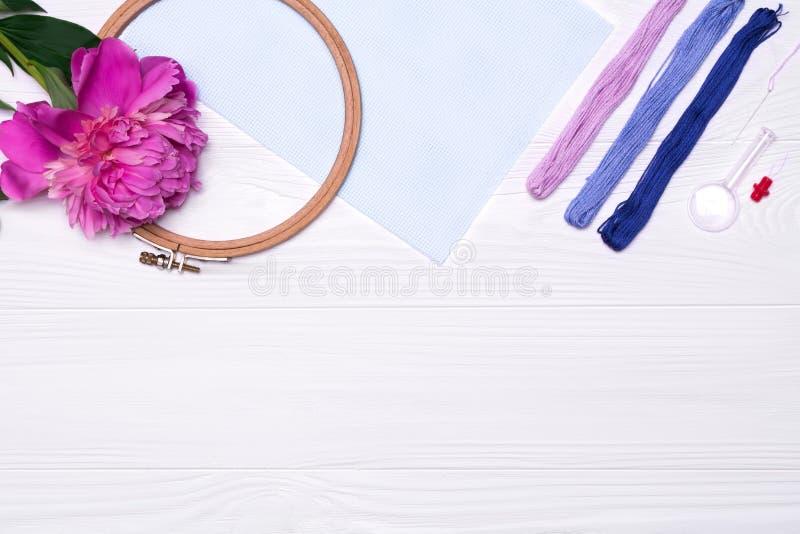 为发怒针的工具 螺纹,箍,放大器,牡丹花,帆布 库存图片