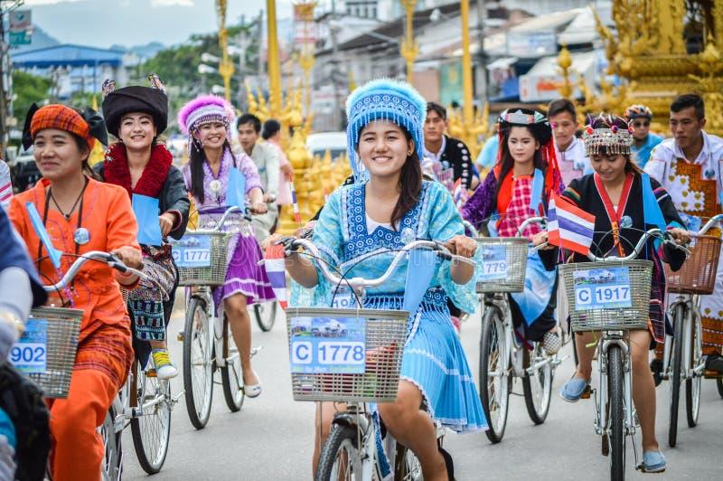 为妈妈活动骑自行车在清莱,泰国 免版税图库摄影