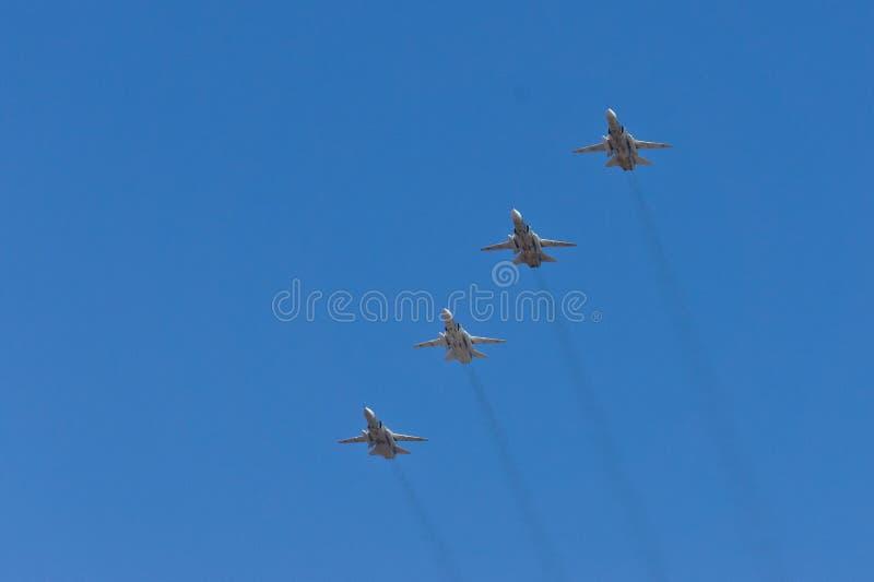 为庆祝5月9日的军用飞机 库存照片