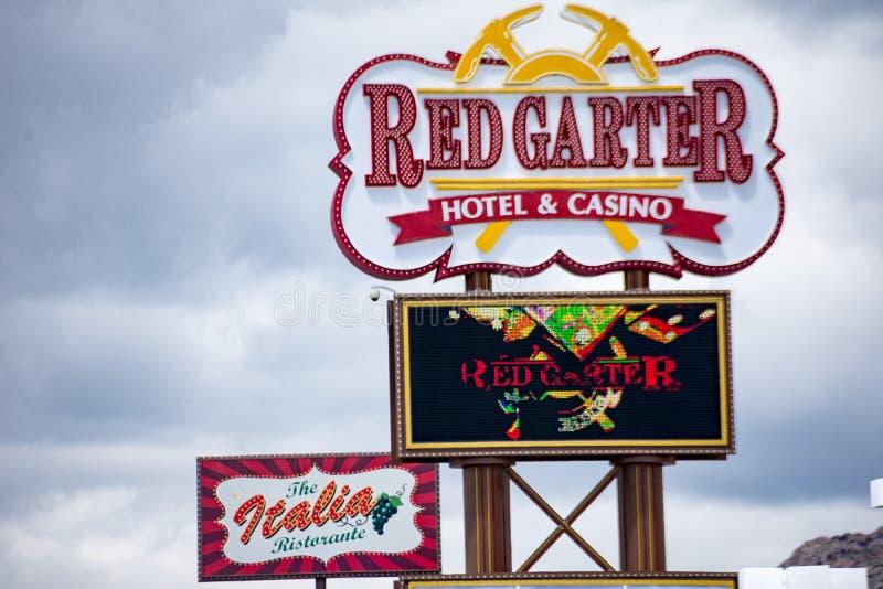 为红色袜带赌博娱乐场签字,位于西部Wendover,镇犹他内华达边界, 库存照片