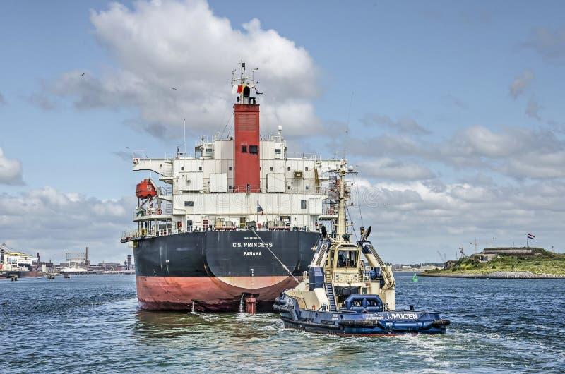 为阿姆斯特丹一定的货轮 免版税库存照片