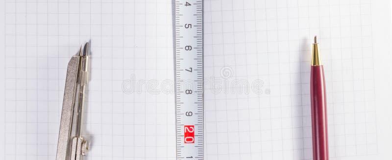 为画和测量的工具 库存照片