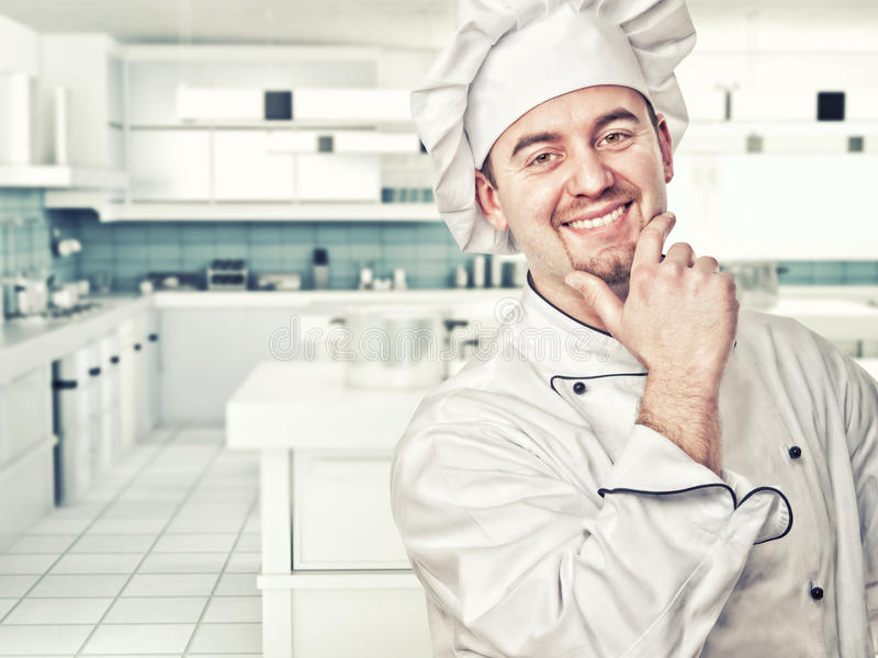 主厨在厨房里 库存照片