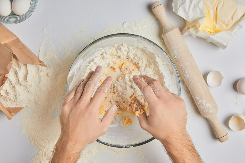 主厨揉的面团 库存图片