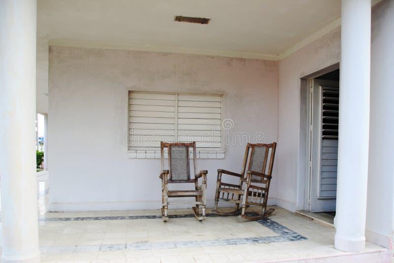 主持木老的门廊二 免版税库存照片