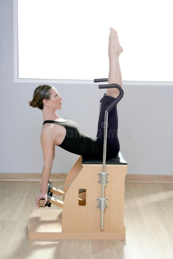 主持组合健身体操pilates妇女wunda瑜伽 免版税库存图片
