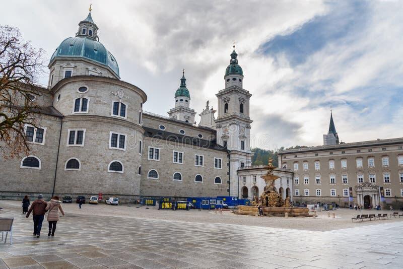 主教宫广场或住所正方形在萨尔茨堡 奥地利 库存图片