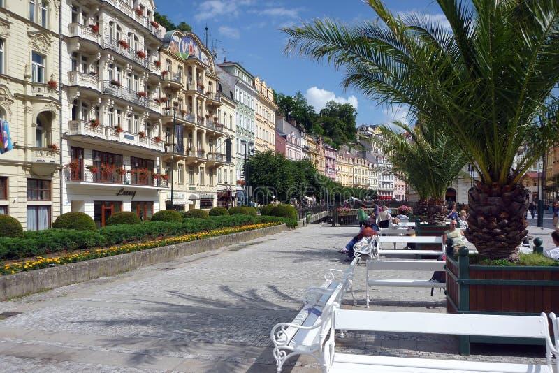 主要步行购物中心,历史karlovy变化,捷克 免版税图库摄影