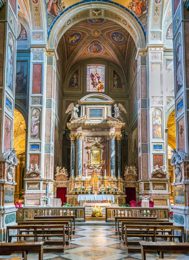 主要法坛在Sant `阿戈斯蒂诺教会里在罗马,意大利 库存图片
