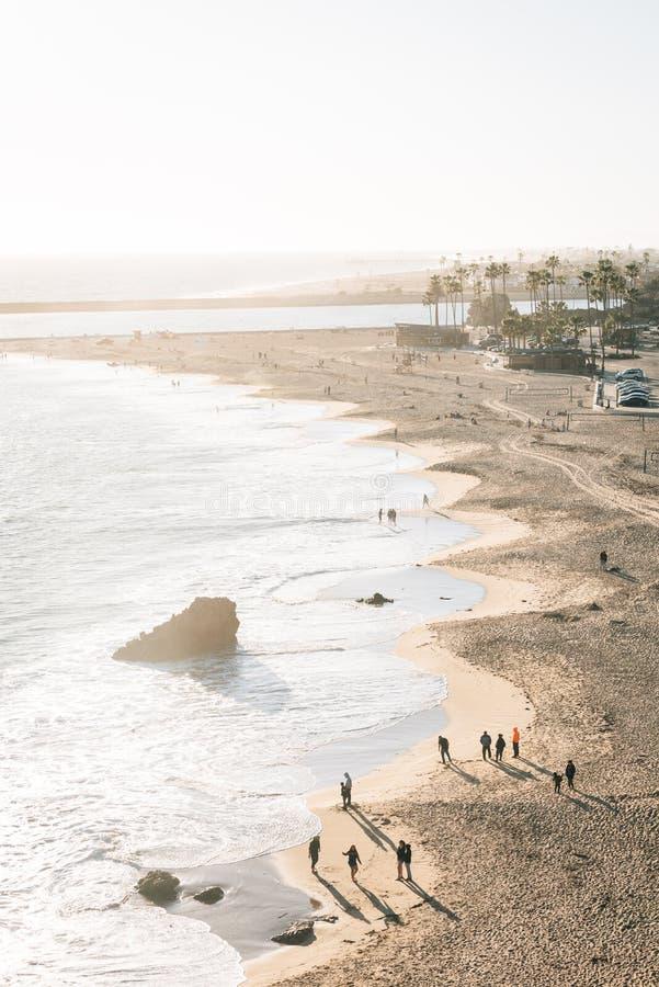 主要海滩的看法在科罗娜del Mar,新港海滨,加利福尼亚 免版税库存照片