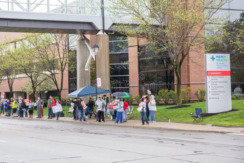 举行罢工托莱多的护士哦 免版税库存图片