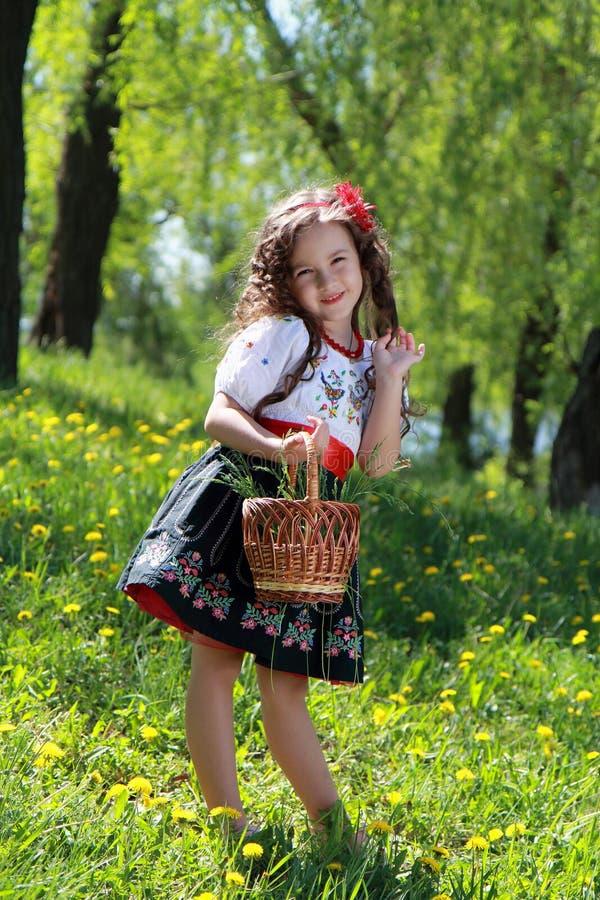 乌克兰全国服装的女孩。 免版税库存照片