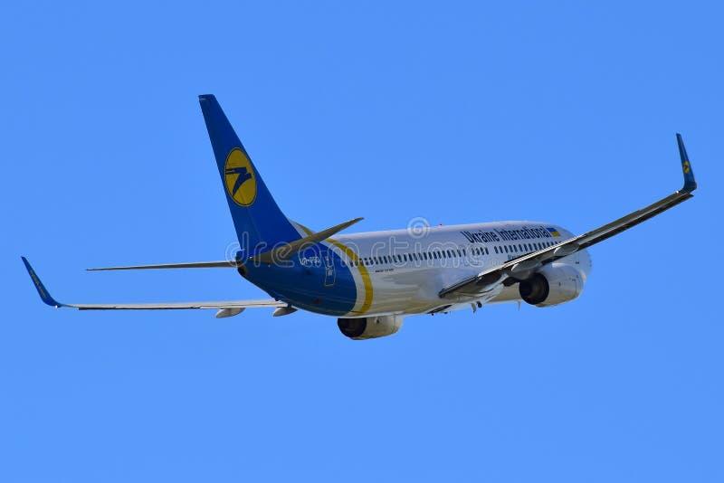 乌克兰国际航空公司波音737 库存图片