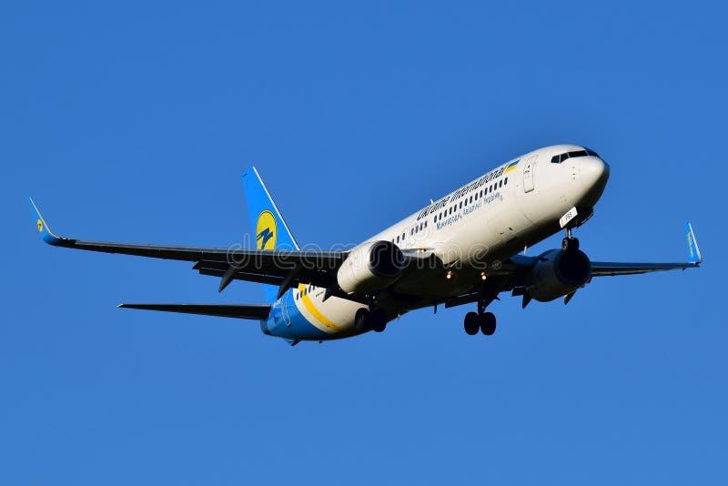 乌克兰国际航空波音737 库存图片