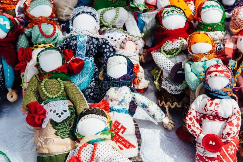 乌克兰纪念品-被编织的玩具护符 库存图片