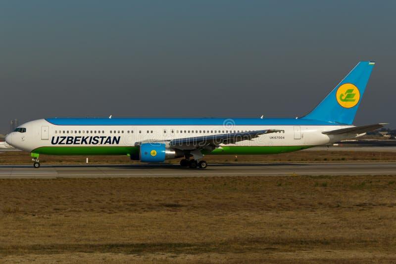 乌兹别克斯坦空中航线波音767 库存图片