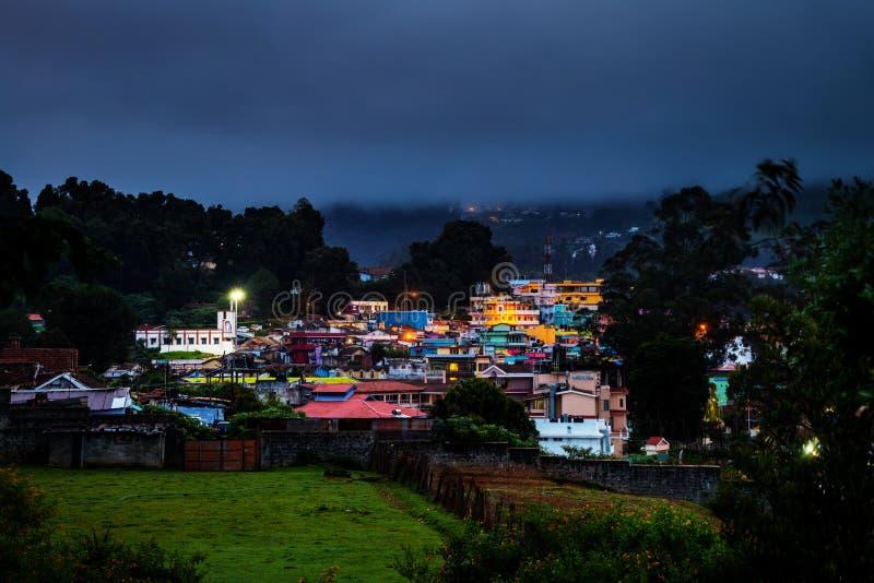 乌塔卡蒙德,印度 Nilgiri山村鸟瞰图  免版税图库摄影