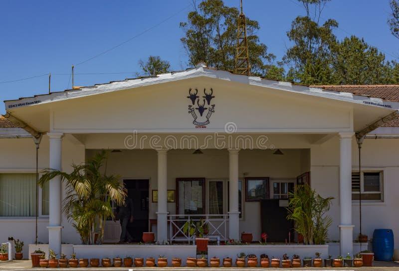 乌塔卡蒙德,Tamilnadu/印度4月20 2019 乌塔卡蒙德运动会高尔夫俱乐部正门大厦 库存照片