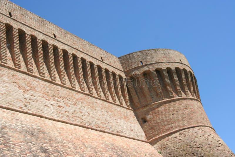 乌尔比萨利亚墙壁,马尔什,意大利 免版税库存图片