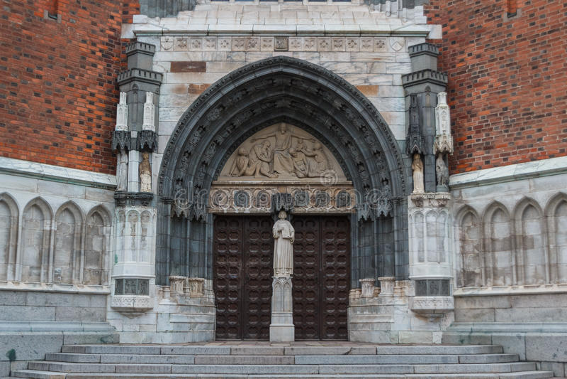 乌普萨拉大教堂的门户 库存照片