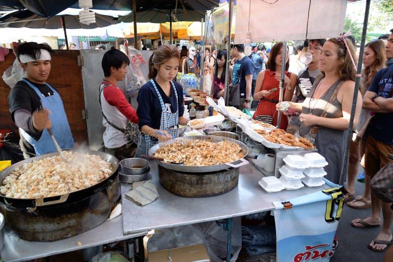 乌贼的鸡蛋在Jatujak市场,曼谷,泰国上 免版税库存照片