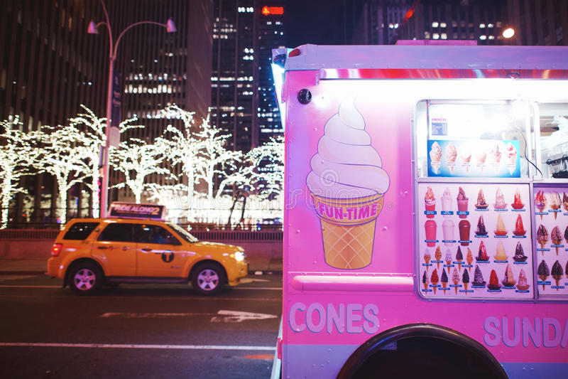 乐趣在NYC的时间桃红色 库存照片