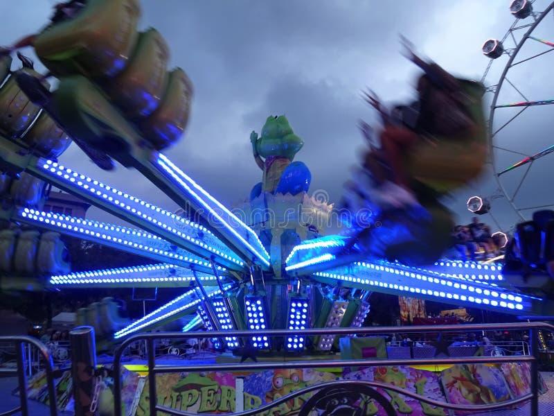 乐趣快乐公园乘驾在巴塞罗那西班牙 免版税库存照片