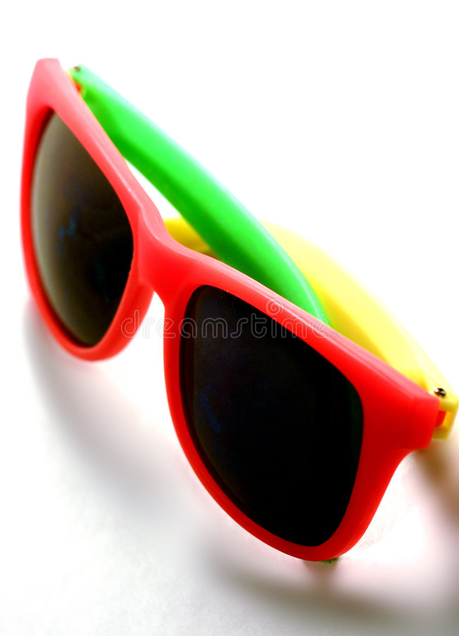 Download 乐趣星期日 库存照片. 图片 包括有 参见, 夏天, 太阳镜, 乐趣, 方式, 遮荫, 橙色, 眼睛, 黄色, 五颜六色 - 65486