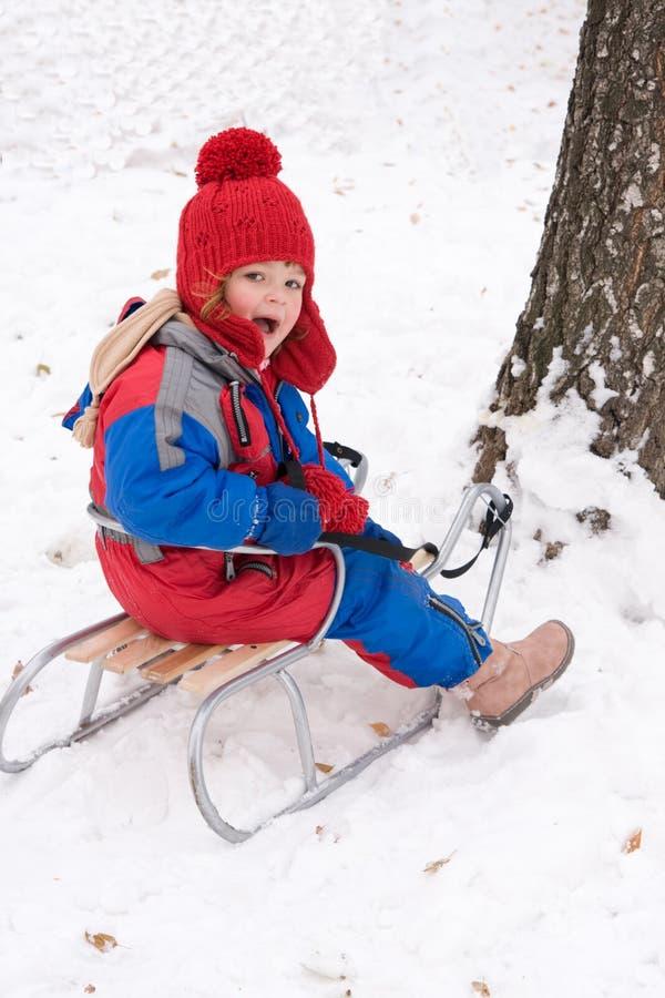 Download 乐趣雪 库存图片. 图片 包括有 作用, 女孩, 童年, 使用, 喜悦, 幸福, 2月, 爬犁, 乐趣, 冻结 - 3661713
