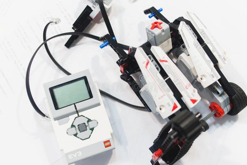乐高伊芙机器人学机电仪一体化汇编概念 免版税库存图片