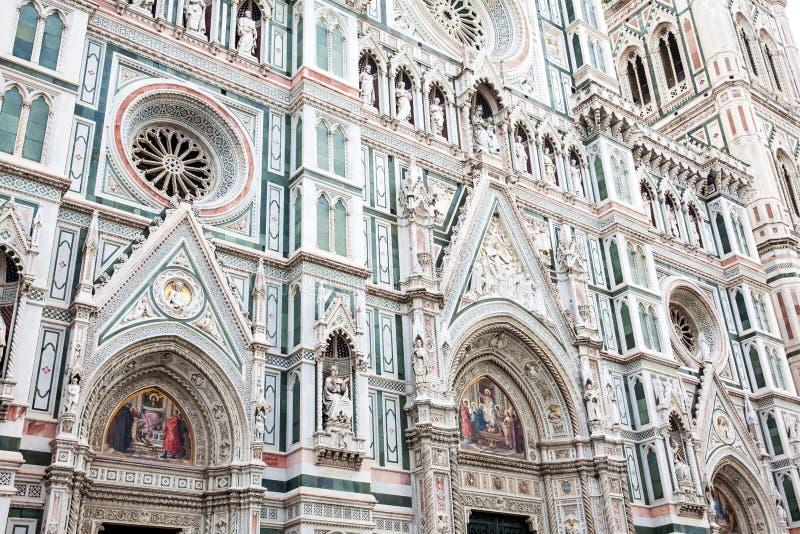 乔托钟楼在1436年和圣母百花圣殿奉献的 库存照片