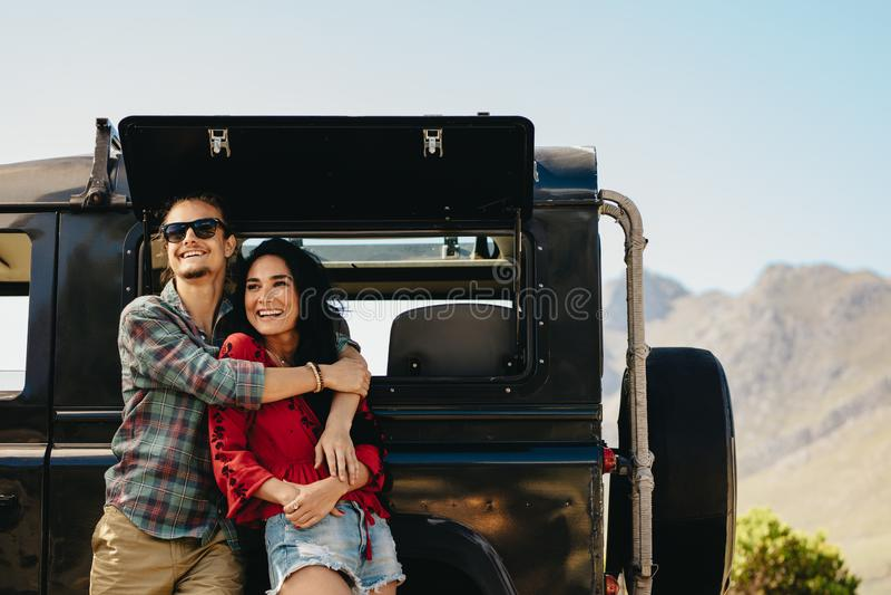 乘他们的敬佩看法的汽车结合 免版税图库摄影