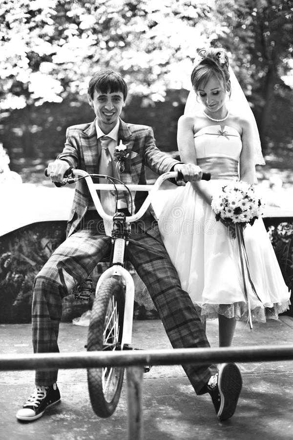 乘坐自行车whith我我的爱 免版税库存图片