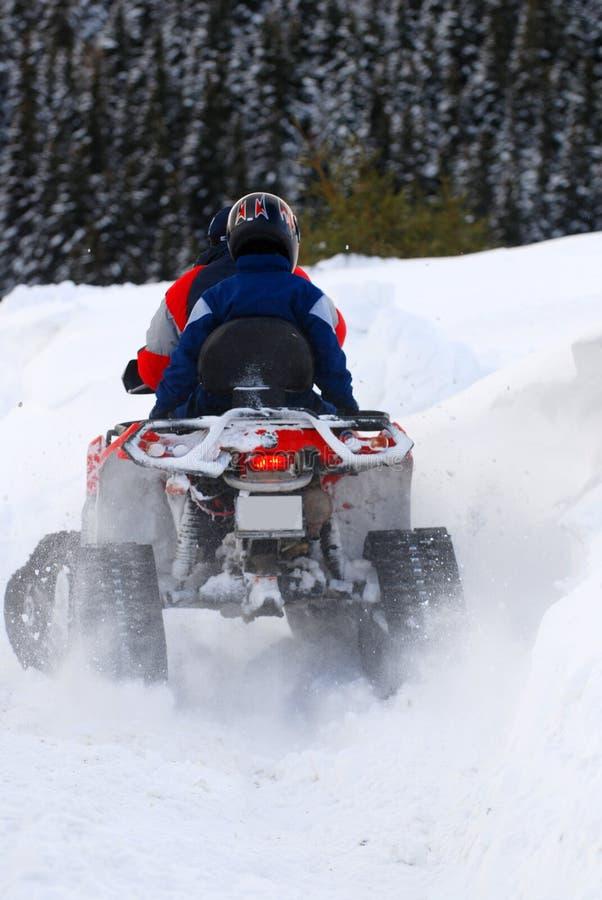 乘雪上电车的冬天 库存图片