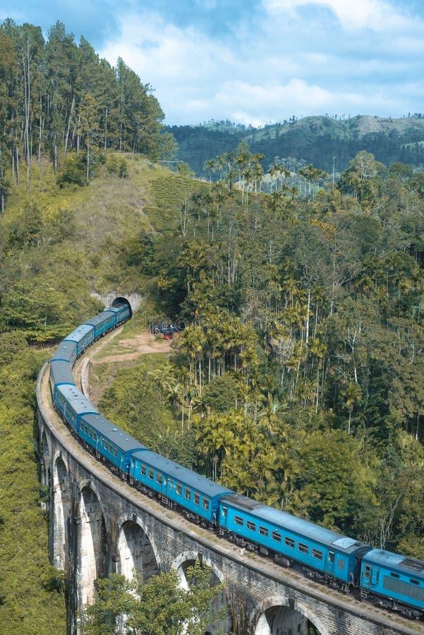 九曲拱桥梁Demodara是其中一座偶象桥梁在斯里兰卡 图库摄影