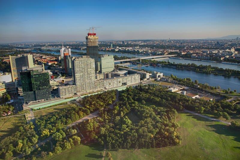 维也纳,奥地利- 2012年8月19日:在地平线Uno城市的看法,  图库摄影