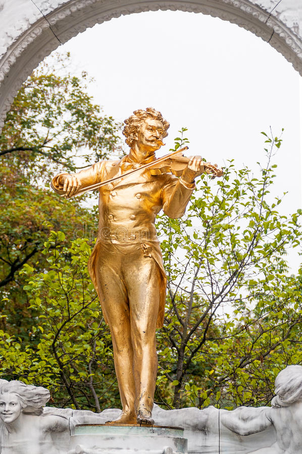 Download 维也纳,奥地利- 2015年10月18日:约翰・施特劳斯雕象 编辑类库存图片 - 图片 包括有 johann, 金子: 62539469